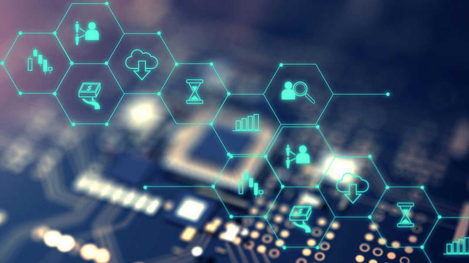 La cadena de bloques o 'blockchain', una tecnología prometedora con riesgos y aristas
