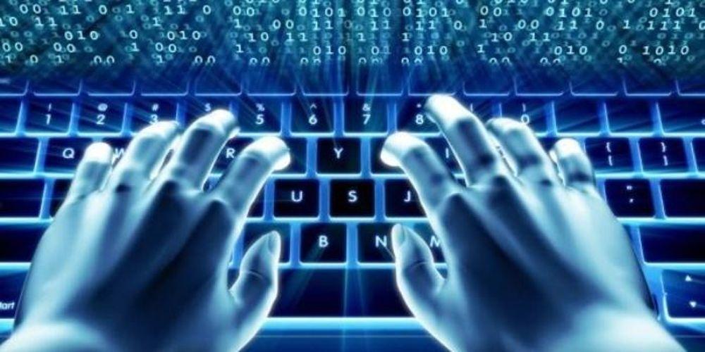 Logra el éxito en Internet a través de una página web y las redes sociales
